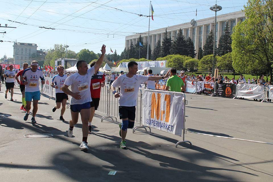 HM British Ambasador running for Phoenix Centre